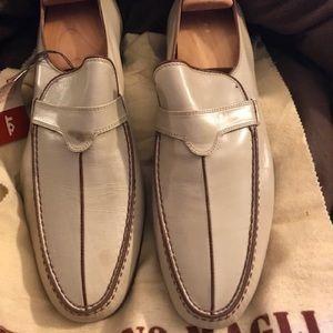Bruno Magli off white dressy shoes